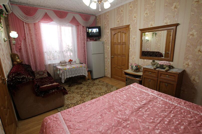 Розовый, улица Революции 1905 года, 92, Севастополь - Фотография 1