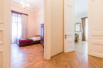 5-комн. квартира на 9 человек, улица Вукол Беридзе, Тбилиси - Фотография 4
