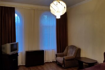 2-комн. квартира, 48 кв.м. на 4 человека, улица Кольцова, 12, Кисловодск - Фотография 1