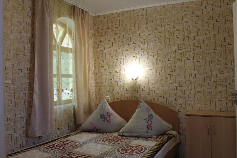 Номер на 4 человека 2 комнаты, кондиционер, гелио система., улица Гагарина, 64, Феодосия - Фотография 4