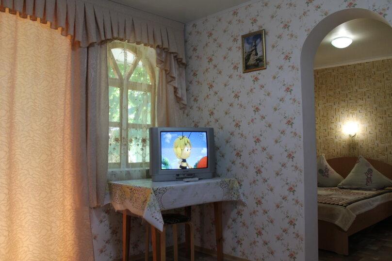 Номер на 4 человека 2 комнаты, кондиционер, гелио система., улица Гагарина, 64, Феодосия - Фотография 5