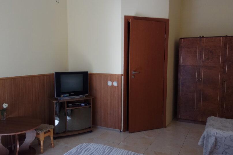 """Гостевой дом """"Ребекка"""" , улица Краснодонцев, 5 на 4 комнаты - Фотография 49"""