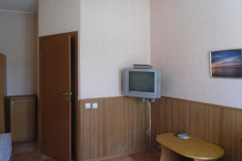 """Гостевой дом """"Ребекка"""" , улица Краснодонцев, 5 на 4 комнаты - Фотография 36"""