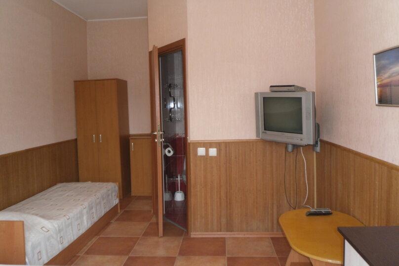 """Гостевой дом """"Ребекка"""" , улица Краснодонцев, 5 на 4 комнаты - Фотография 42"""