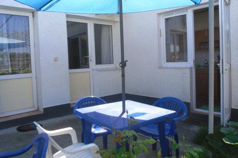 """Гостевой дом """"Ребекка"""" , улица Краснодонцев, 5 на 4 комнаты - Фотография 16"""