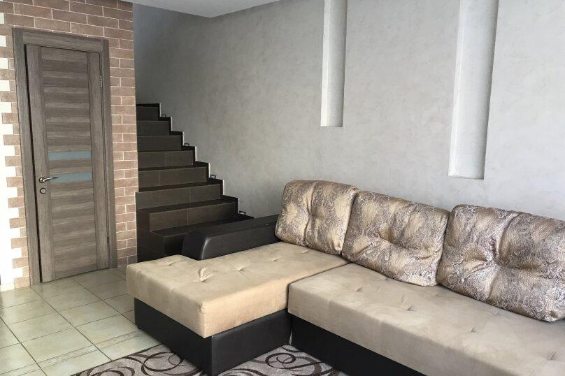 Дом, 100 кв.м. на 8 человек, 2 спальни, Курортная , 57 , Банное - Фотография 1