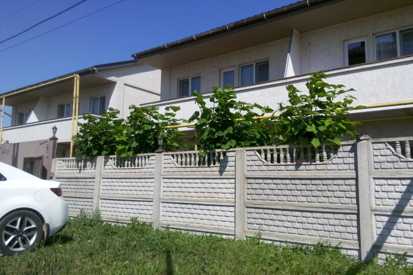 """Гостевой дом """"Престиж"""", Солнечная улица, 42 на 9 комнат - Фотография 2"""