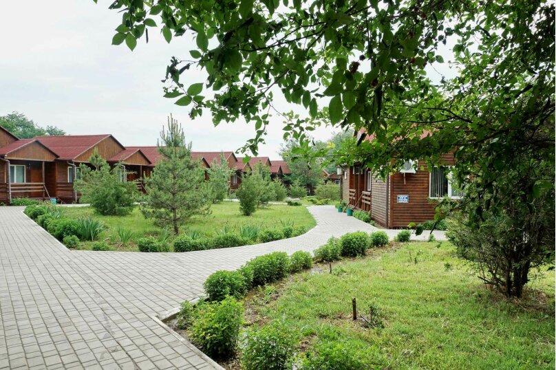 Коттеджный городок 1-комн. 3-х местный, улица Елисеева, 25, Оленевка - Фотография 1