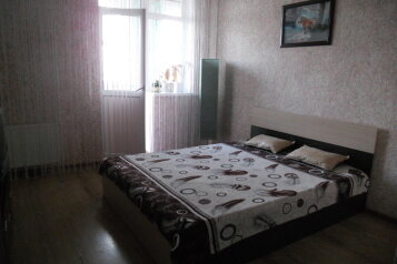 1-комн. квартира, 42 кв.м. на 3 человека, улица Челнокова, Севастополь - Фотография 1