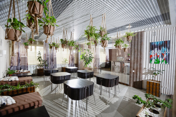 Гостиница, Монастырская улица, 14А на 76 номеров - Фотография 1