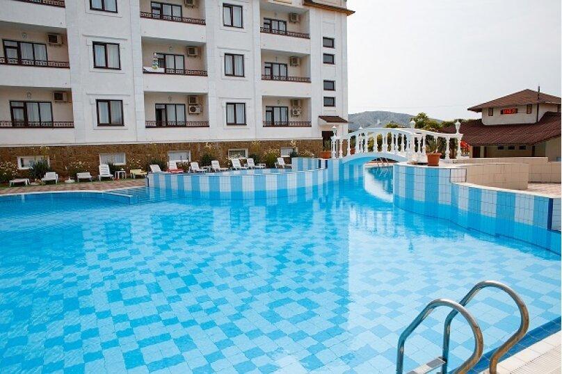 """Отель """"Grand"""", Фирейная гора, 15 на 44 номера - Фотография 2"""