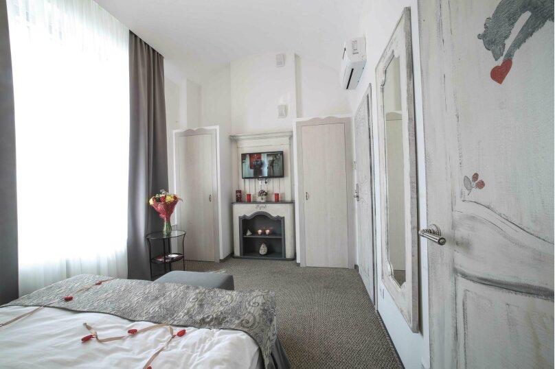 Большой двухместный с одной кроватью, улица Маяковского, 18, Омск - Фотография 1
