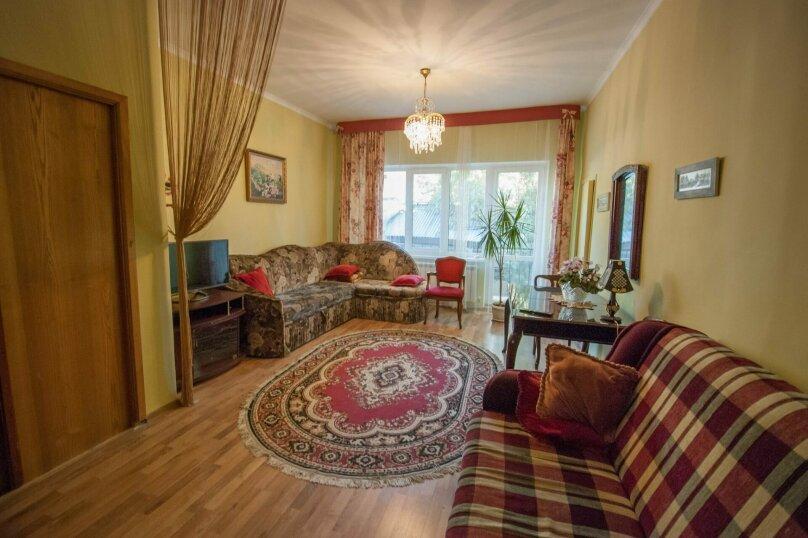 Уютный Дом в Ялте с двориком и местом для авто, 77 кв.м. на 6 человек, 1 спальня, Изобильная улица, 4, Ялта - Фотография 3