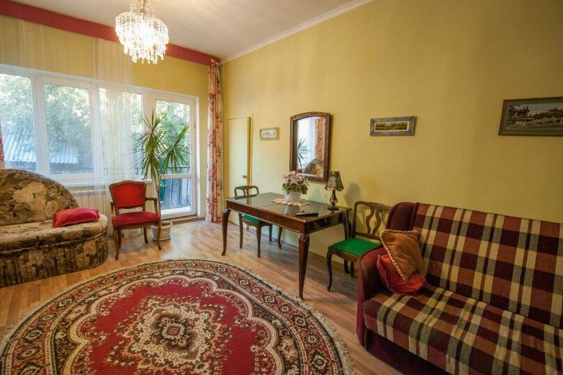 Уютный Дом в Ялте с двориком и местом для авто, 77 кв.м. на 6 человек, 1 спальня, Изобильная улица, 4, Ялта - Фотография 5