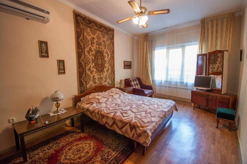 Уютный Дом в Ялте с двориком и местом для авто, 77 кв.м. на 6 человек, 1 спальня, Изобильная улица, 4, Ялта - Фотография 6