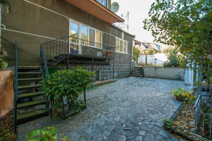 Уютный Дом в Ялте с двориком и местом для авто, 77 кв.м. на 6 человек, 1 спальня, Изобильная улица, 4, Ялта - Фотография 9
