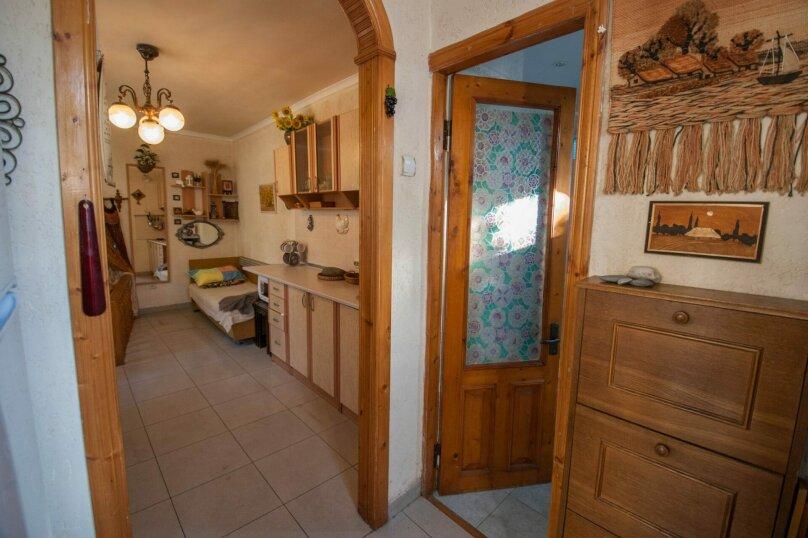 Уютный Дом в Ялте с двориком и местом для авто, 77 кв.м. на 6 человек, 1 спальня, Изобильная улица, 4, Ялта - Фотография 12