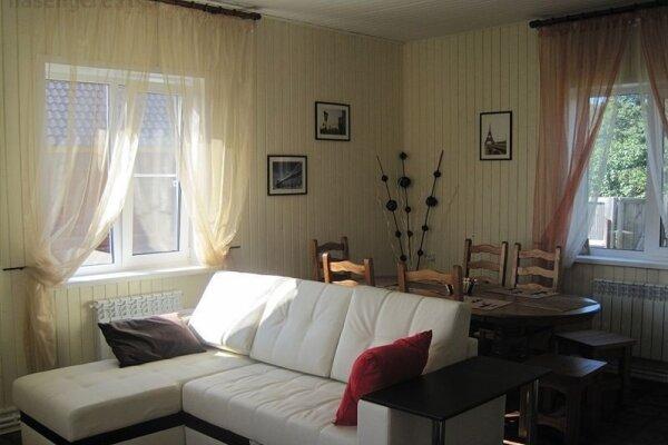 Дом, 90 кв.м. на 10 человек, дер. Заборки, 33, Осташков - Фотография 1
