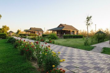 Туристический комплекс, в 380 м. севернее с. Жан-Аул, 1 на 25 номеров - Фотография 1