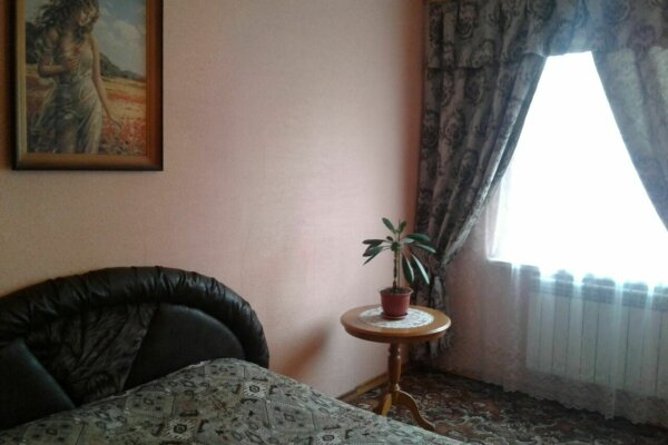 1-комн. квартира, 50 кв.м. на 3 человека, улица Степана Разина, 42, Владикавказ - Фотография 1