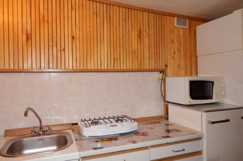 Домик  отдельный   в  тихом  месте, 25 кв.м. на 3 человека, 1 спальня, Щепкина, 1, Алупка - Фотография 7