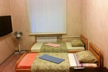2-комн. квартира, 65 кв.м. на 4 человека, Комсомольский проспект, 71, Свердловский район, Пермь - Фотография 4