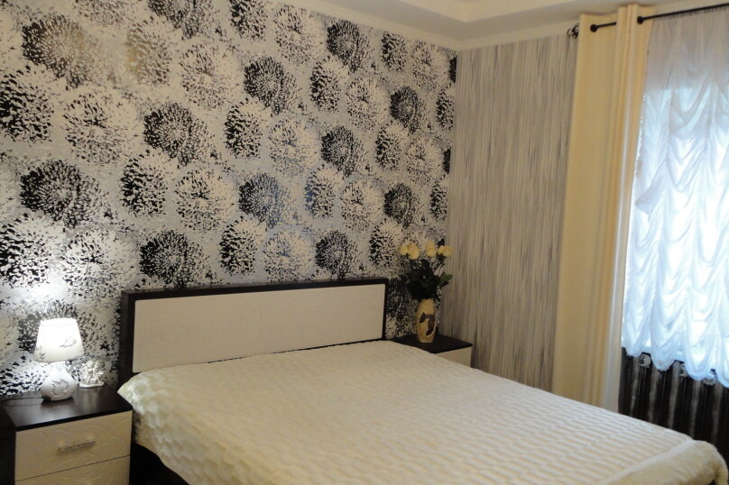 Дом на набережной, 100 кв.м. на 6 человек, 3 спальни, улица Карла Маркса, 4, Алушта - Фотография 16