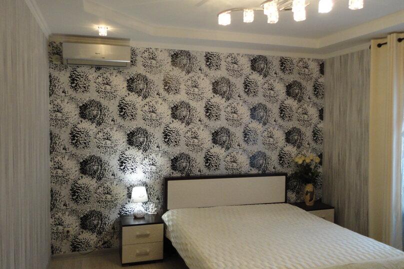 Дом на набережной, 100 кв.м. на 6 человек, 3 спальни, улица Карла Маркса, 4, Алушта - Фотография 1