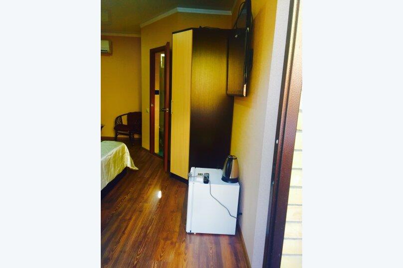 Двухместный номер, в отдельном домике у бассейна , Черноморская улица, 15, Ольгинка - Фотография 1