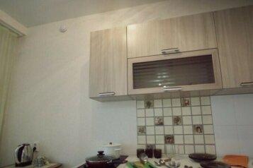 1-комн. квартира, 36 кв.м. на 3 человека, Взлётная улица, 7К, Красноярск - Фотография 2