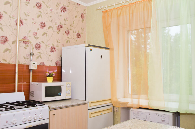 2-комн. квартира, 45 кв.м. на 6 человек, бульвар Победы, 1, Омск - Фотография 4