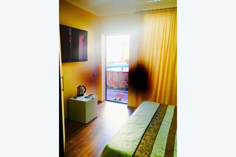 Двухместный номер, в отдельном домике у бассейна , Черноморская улица, 15, Ольгинка - Фотография 5