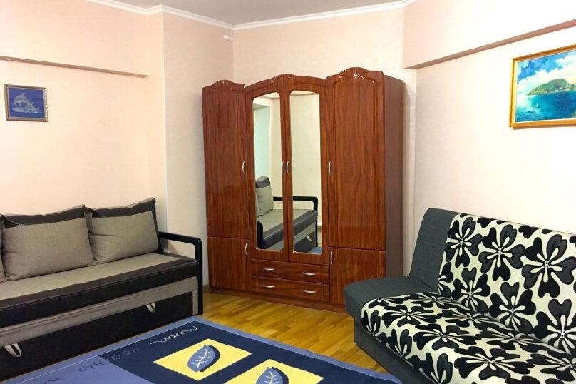 1-комн. квартира, 40 кв.м. на 4 человека, Л.Украинки, 6, Ялта - Фотография 1