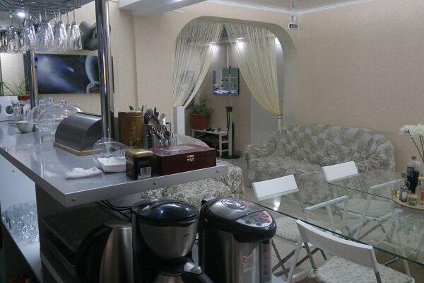 Отель, улица 7-я Линия, 180 на 8 номеров - Фотография 1