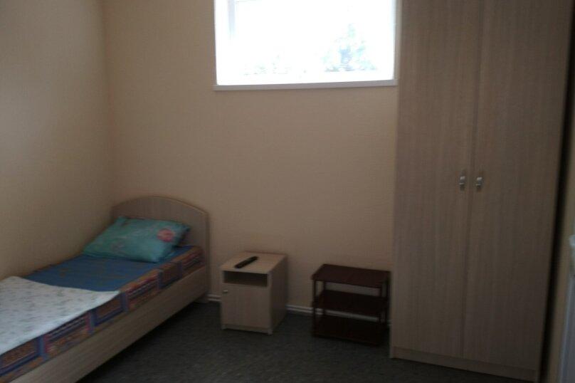 Стандарт 3х.местный с диваном, Н.Жердева, 42, Черноморское - Фотография 2