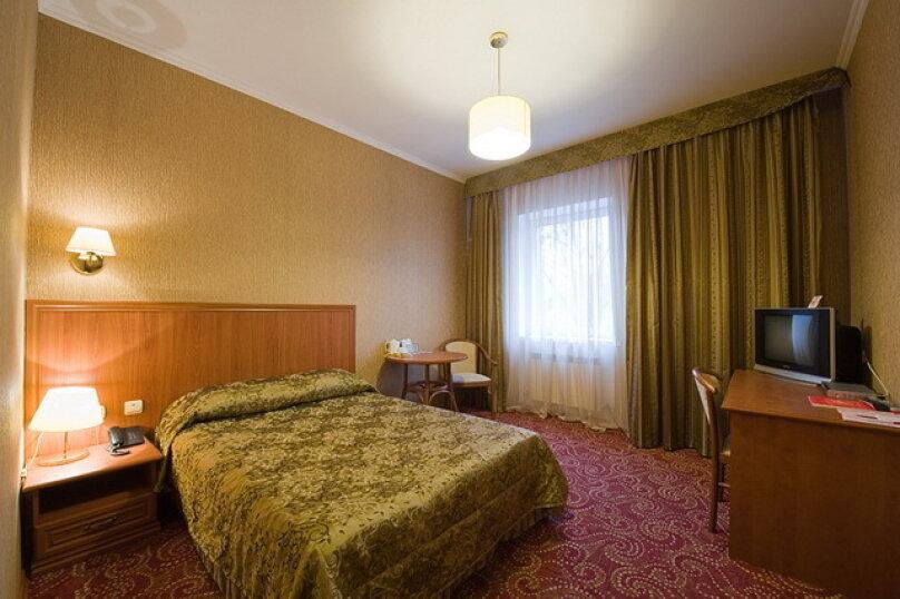 Двухместный номер 1 категории с одной кроватью (18 кв.м), Театральная улица, 37/2, Калуга - Фотография 1
