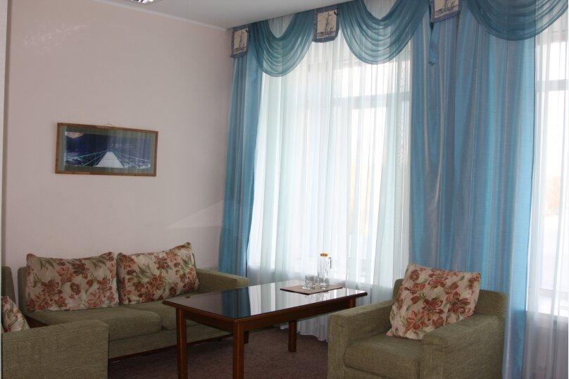 Семейный двухкомнатный , улица Академика Вавилова, 1с2, Красноярск - Фотография 3