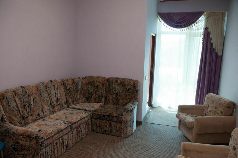 Люкс двухкомнатный с гостинной, улица Автомобилистов, 5А, Симферополь - Фотография 1