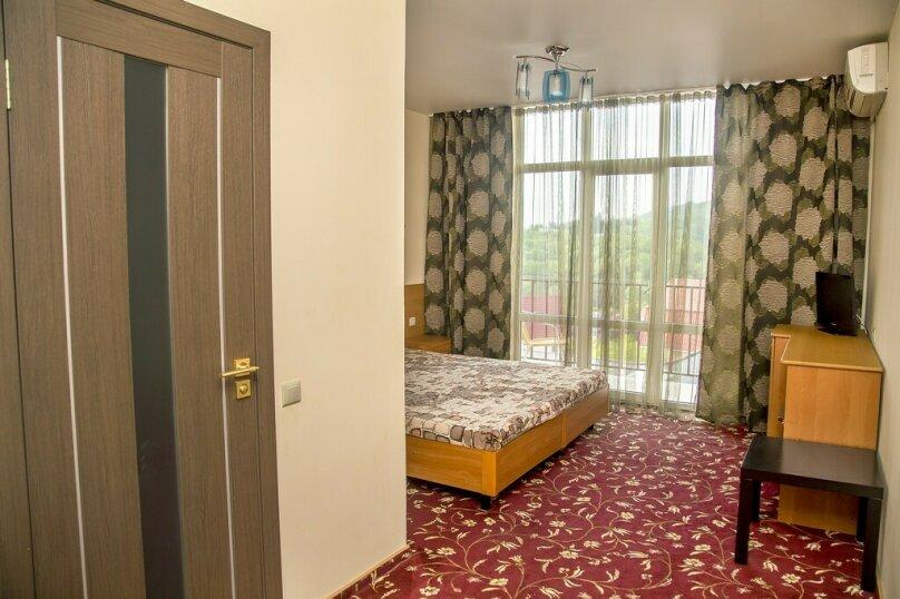 Стандартный 2-х местный номер с балконом 6 корпус, Пейзажная, 41, Лоо - Фотография 1