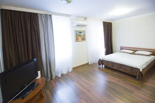 1-комн. квартира, 68 кв.м. на 4 человека, Пролетарский проспект, 11, Сургут - Фотография 1