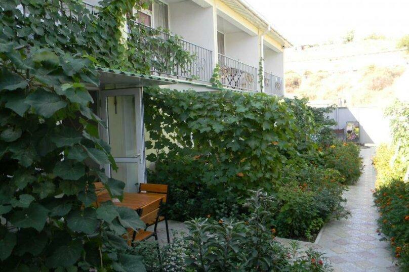 Двухкомнатный 3-5-ти местный с балконом и кондиционером (на 2-м этаже), Таврическая улица, 71, Судак - Фотография 1