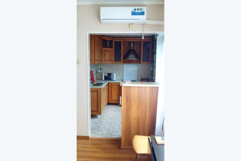 3-комн. квартира, 65 кв.м. на 7 человек, улица Карамзина, 43, Новороссийск - Фотография 2