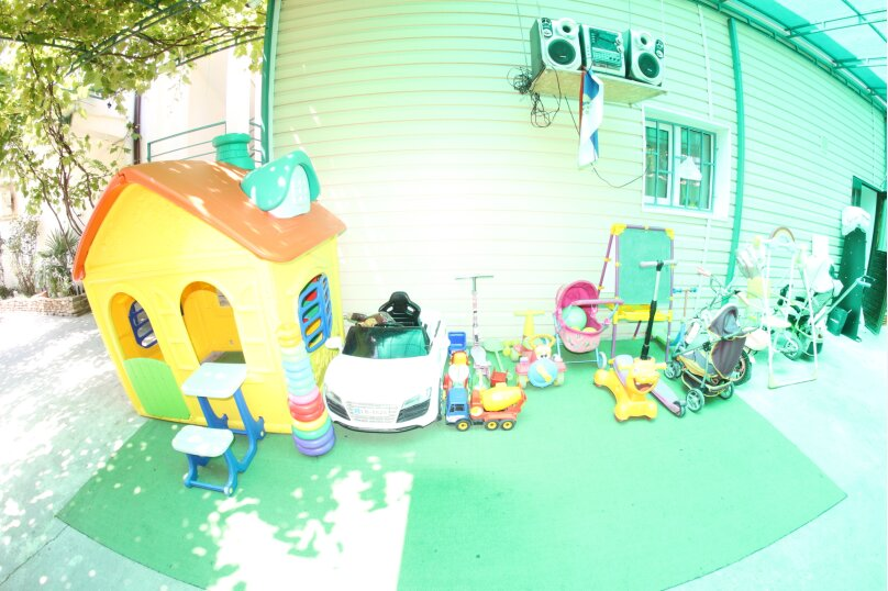 Дом для отпуска в центре Адлера на 8 человек, до моря 7 минут, 120 кв.м. на 10 человек, 3 спальни, Куйбышева, 44, Адлер - Фотография 2