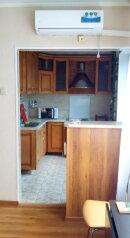 3-комн. квартира, 65 кв.м. на 7 человек, улица Карамзина, Новороссийск - Фотография 4