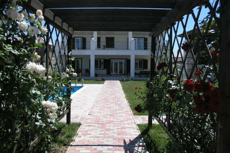 """Вилла """"Валари"""", 420 кв.м. на 16 человек, 7 спален, Приморская, 36, Молочное - Фотография 11"""