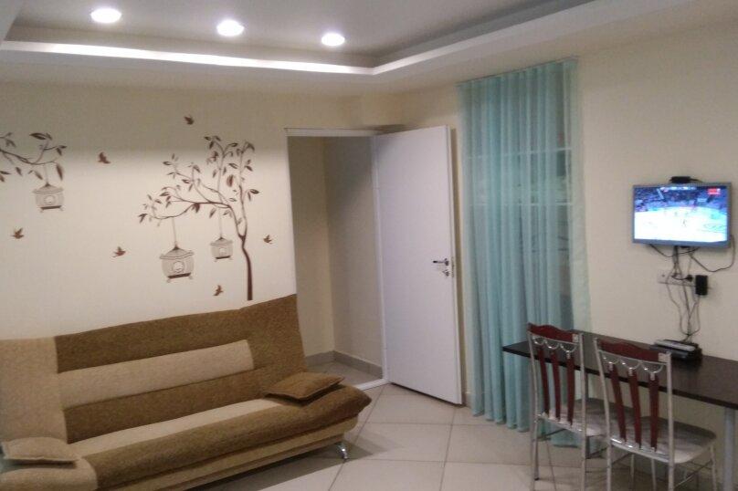 2-комн. квартира, 40 кв.м. на 6 человек, 2-я Мякининская, 19А, Москва - Фотография 1