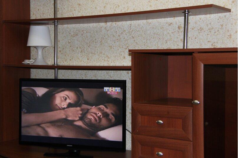 2-комн. квартира, 45 кв.м. на 6 человек, улица Рахова, 103/115, Саратов - Фотография 3