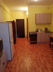 1-комн. квартира, 30 кв.м. на 3 человека, Ивана Захарова, 12/1, Сургут - Фотография 1