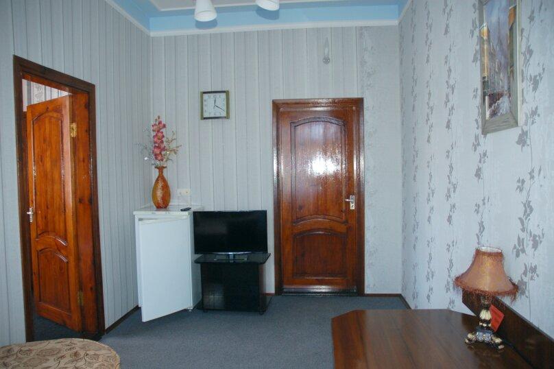 Двухкомнатный 4-х местный, Русская улица, 42, Феодосия - Фотография 1