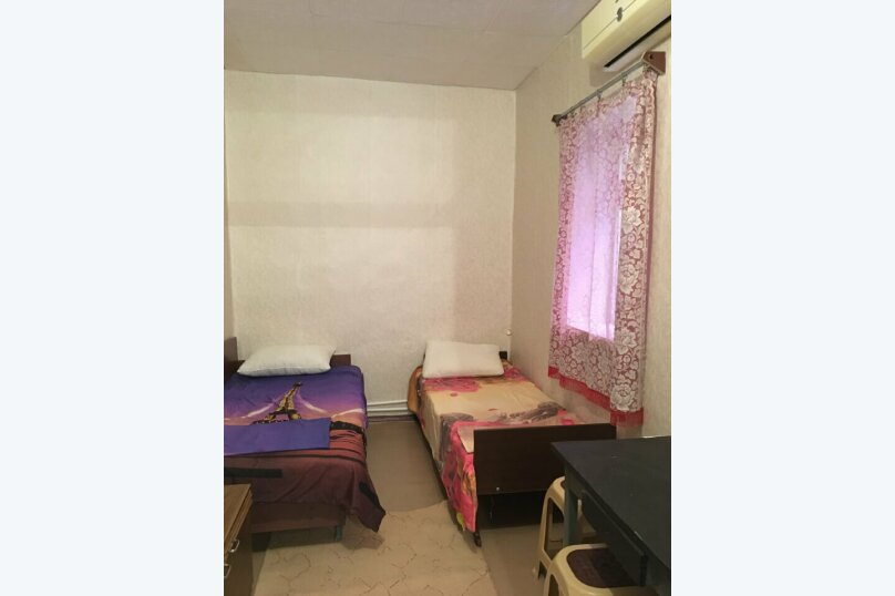 Дом, 50 кв.м. на 8 человек, 3 спальни, 50 кв.м. на 8 человек, 3 спальни, С.Романа, 26, Ейск - Фотография 18